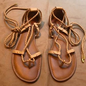 Express | EUC Lace-Up Sandals